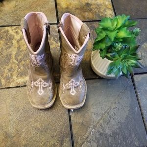 Blazin Roxx pink cross detail cowgirl boots sz 6